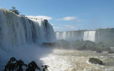 """Promenade en bateau au pied des chutes, côté argentin """"Gran Aventura Tour"""""""